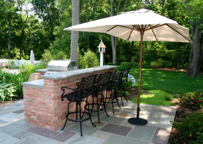 Bar-BBQ, bluestone patio, outdoor living