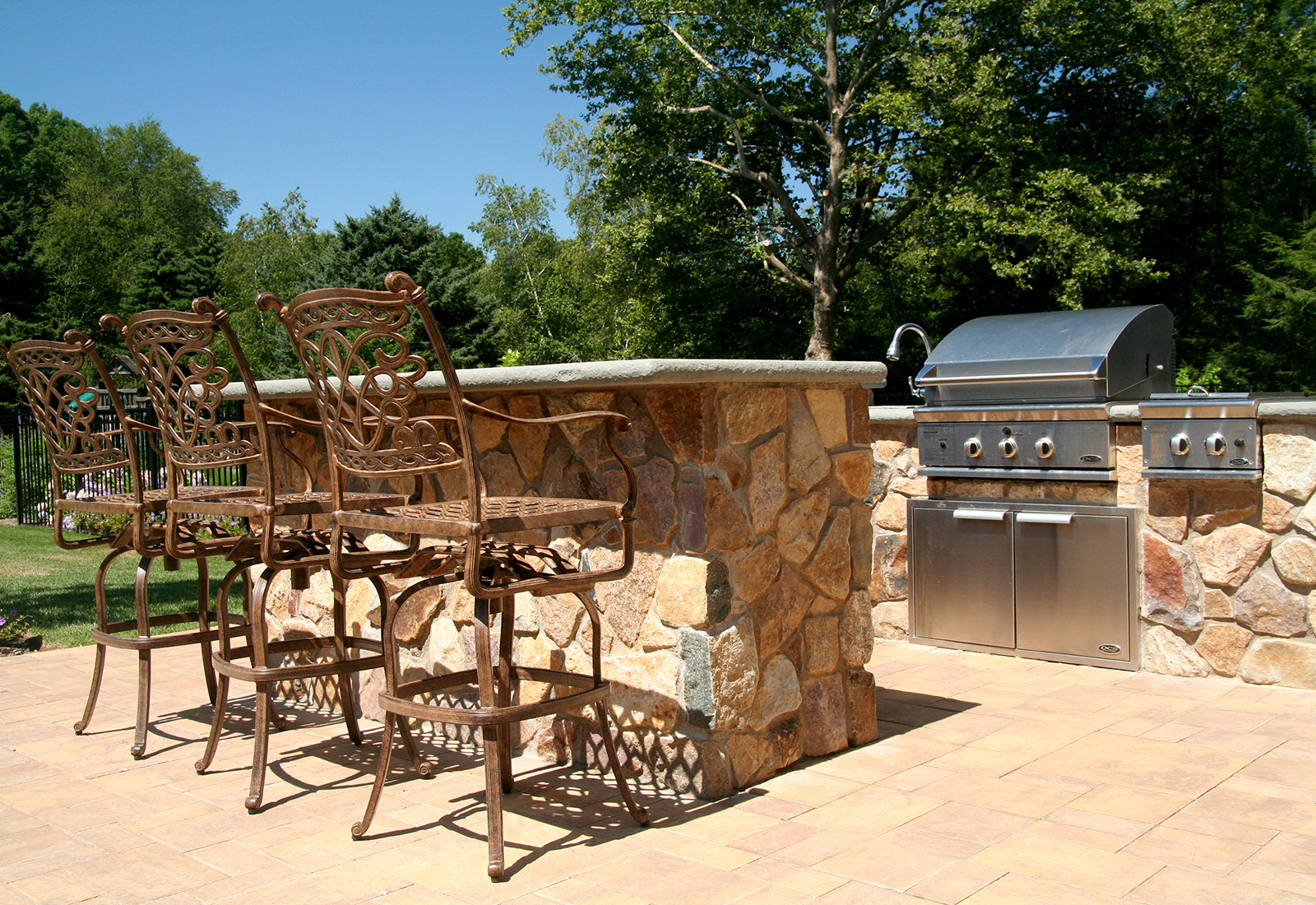 barbecue, outdoor entertaining, Laurel Hollow