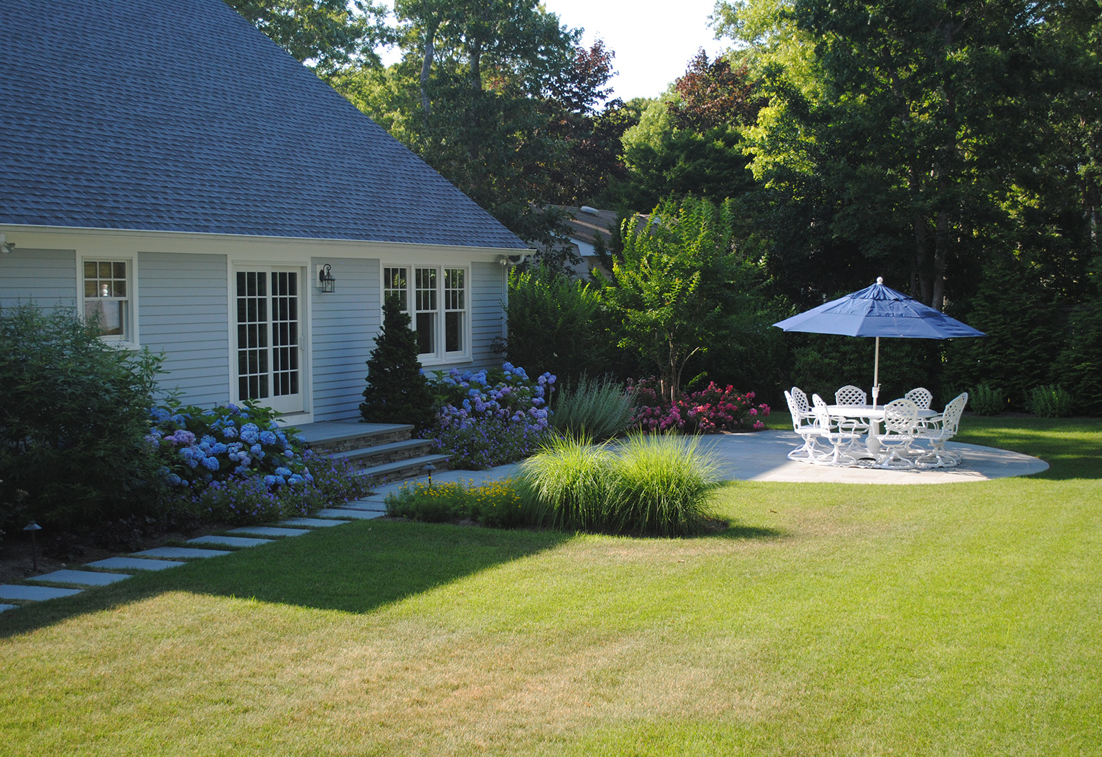 traditional, backyard entertainment , bluestone path, quogue